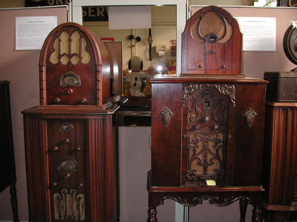 Vintage Radio Museum 109