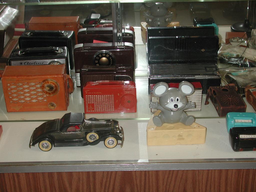 Vintage Radio Museum 82